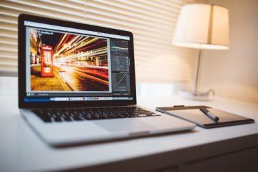 ブログ開設1年目で月間1万PV超えたので、収入とか色々公開します。